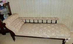 Beautiful chaise lounge ex condition