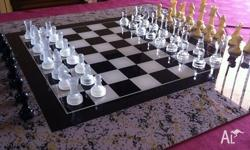 CHESS SET GLASS BOARD GAME INCLUDES: 1 x GLASS GAME