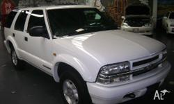 CHEVROLET,BLAZER,2001, WHITE, GREY trim, 4D WAGON,