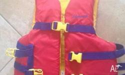 Child/Youth Life Jacket PFD Type 3. Body Mass 22 kg -