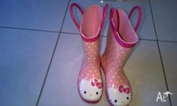 3 pair of children rain boots in very good condition: -