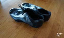 Childs Boch Jazz Shoes size 5.5