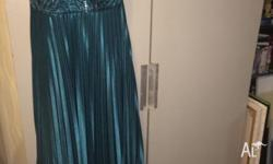 City Chic Dress, Size M (equivalent to Size 18) Green