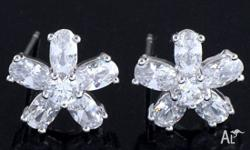 CLEAR CUBIC ZIRCONIA 9K GOLD FILLED SNOWFLAKES STUD