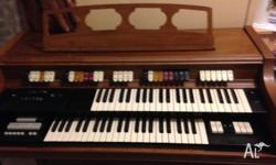 Hey so im selling this organ it all works all buttons