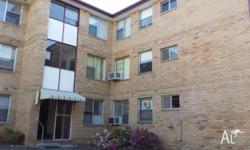 Immaculately presented 3 bedroom unit, large living