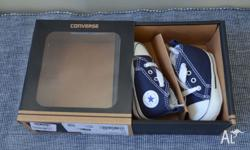 Gorgeous Converse baby sneakers, size 1 (EUR 17,