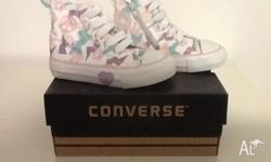 Converse White/Pink/Blue Runners Size 4 New. Still in