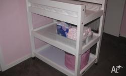 Geneva cot & matching Change table * White solid