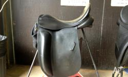 Black leather County Fusion Dressage saddle. 17.5 inch