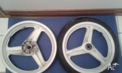 Honda MC19 cbr 250 r front and rear wheels white