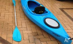 Great kayak for fun/trips comes with paddle (216cm