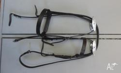 Dark brown leather bridle, only been used a couple of