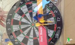 Have fun with this New dartboard, set complete, price