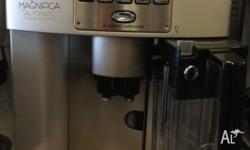Fantastic coffee machine for sale! It is a Delonghi