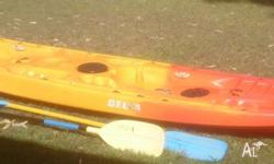 -Q-kayak brand -Capacity 210kg -2 paddles -3 hatches to