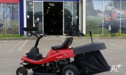 DEMO PARKLANDER Ride on Mower with powerful Briggs &