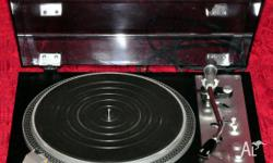 Denon SL-7D direct drive turntable. In excellent