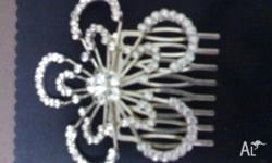 beautiful new diamante hair comb for wedding or deb.