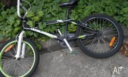 Diamondback Bike (green and black) in really good
