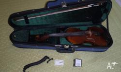 Dolce 3/4 Violin with bow, chin rest and case � all in