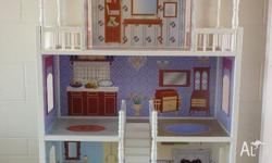 I am selling a Savannah Dolls House in very good