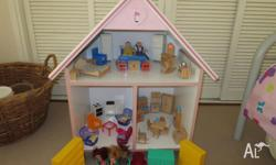 Dolls house - Excellent condition with all sorts of