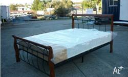 TIMBER POST AND METAL DOUBLE SIZE BED BED HEAD SIZE: