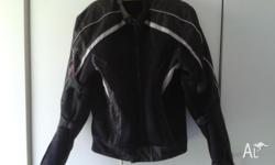 4 XL MENS DRI RIDER USED MAYBE TWICE REINFORCED ELBOWS