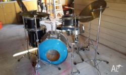 Dolphin Drum kit. Base ,snare , tom toms,ride, high hat
