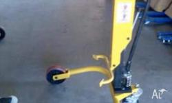 drum picker lifter 250 kgs capacity. visit