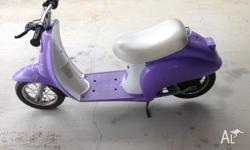 Purple Holds up to 80kg Lift up seat for storage Age