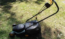 ELECTRIC LAWNMOWER OZITO ECOMOW 1100 WATT MOTOR RAZOR