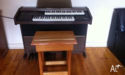 Lowery electric organ complete package! Comes with