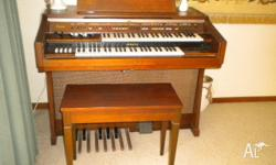 ELECTRIC ORGAN ...... YAMAHA .... EXCELLENT CONDITION