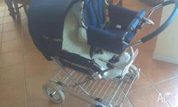 Emmaljunga navy pram with child seat Navy blue with