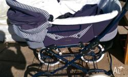Hello we r selling this beautiful pram/bassinett as we