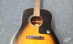 Great condition full size guitar, with soft back padded