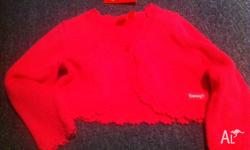 Brand new with tags size 24mths. This Item is pink. Not