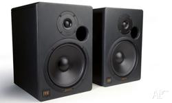 studio monitors , thay are in as new condition, i have