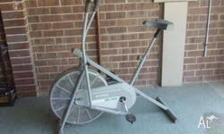 Exercise bike dual handles move back and forth to work