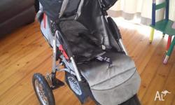 This is a very easy to use and versatile pram. 3 wheel,