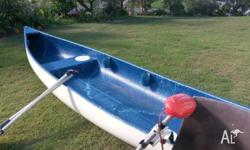 13 feet fibreglass canoe, 2 person, 2 paddles, 2