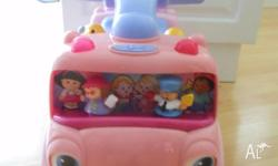 Fisher Price Ride on Toddler Bus Excellent Condtion -