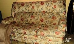 Beautiful Floral Fabric 3 seater Lounge Comfy, Clean &