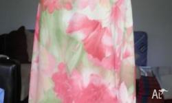Ladies floral dress fits size 8-10 Cool, comfortable &