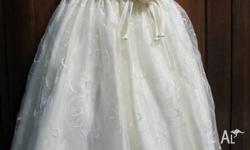 Beautiful flower girl dress.Cream colour. Silk