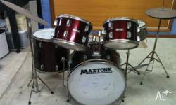 5 piece Maxtone drum kit An oldy but a goody ! All