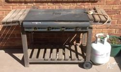 Moving house so need to sell our BBQ. Works great 4