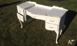 Chic french style vintage dressing table in good